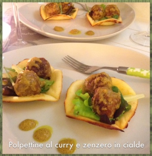 POLPETTINE AL CURRY E ZENZERO IN CIALDE